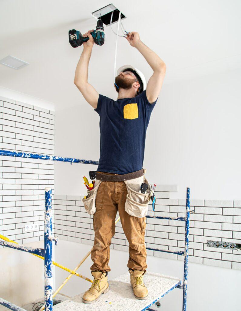 Elektriker Frederiksberg med døgnvagt - Vi tilbyder alt el service, el-renovering, nyt el, lampeopsætning, ny gruppe i eltavle