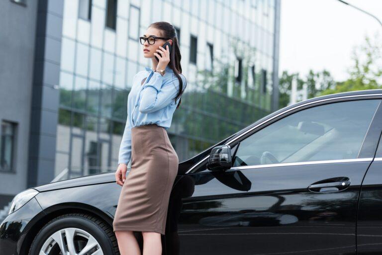 Låst ude af bilen - Hvad gør du? Hvem skal du ringe til? Ring Døgnvagt; Autolåsesmed Sjælland og i København