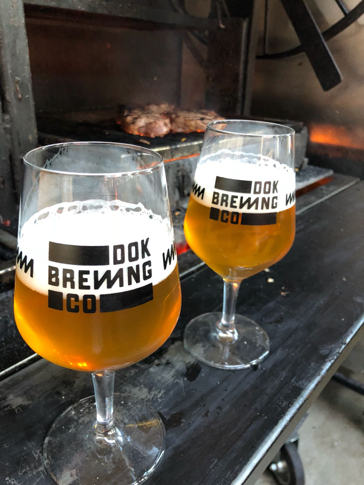 https://usercontent.one/wp/www.dokbrewingcompany.be/wp-content/uploads/2018/07/Dok-brewing-company-glassware-1.jpg?media=1634140415