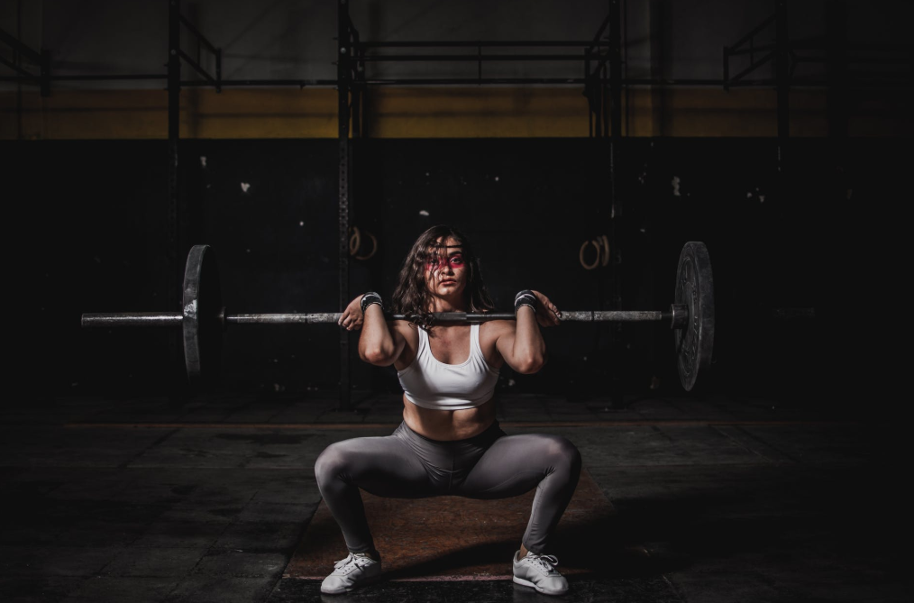 picture of a female weightlifter