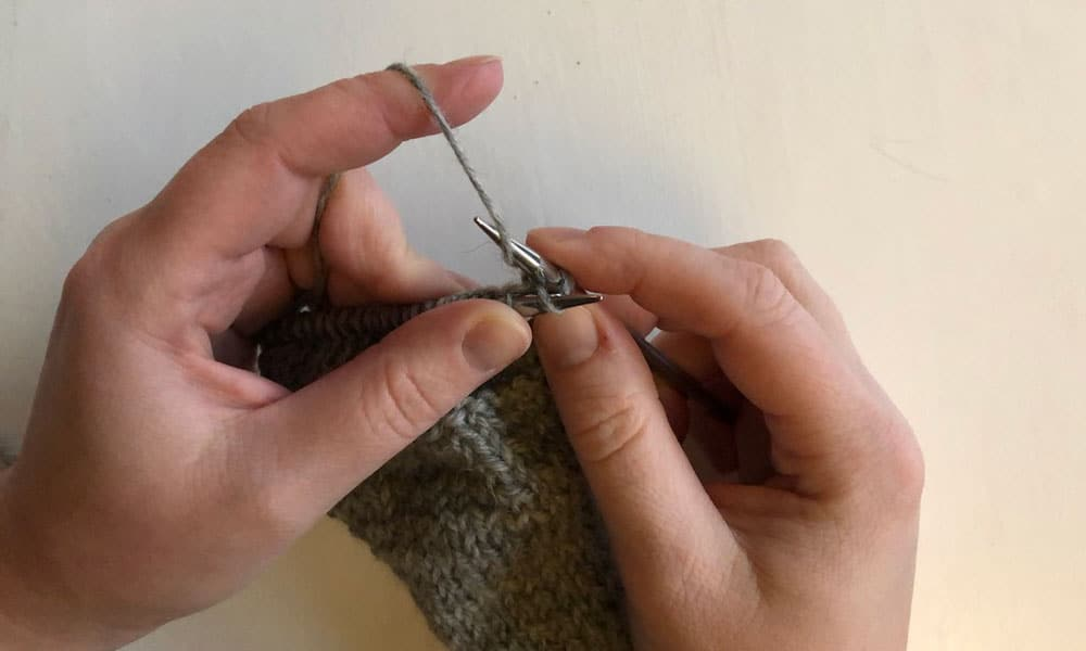 All about the Stockinette Stitch | How to do the knit stitch step 2
