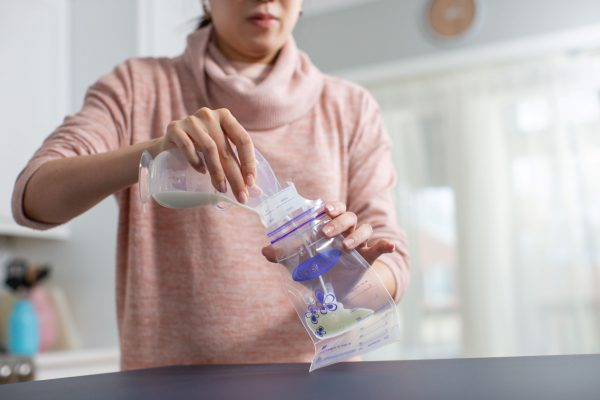 recueil-de-lait-maternel-allaitement-lansinoh