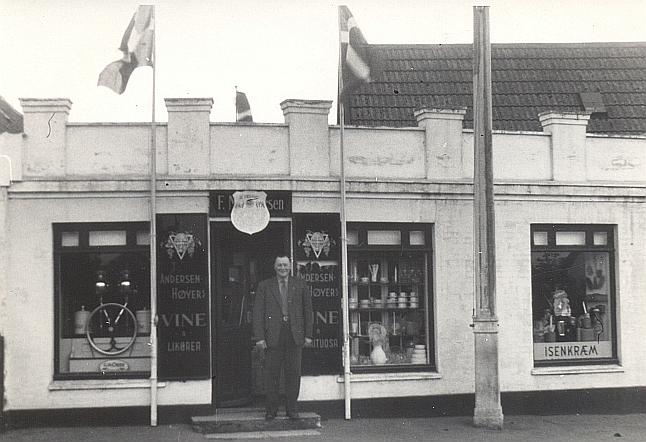 F. M. Petersens forretning ved 50-års jubilæet i 1951.