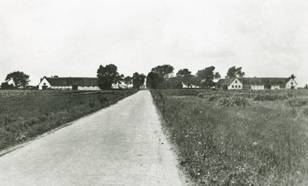 Nordre Dragørvej set mod vest. Foto 1930-1960.