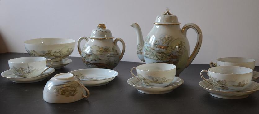 Sophus Jørgensen sendte dette kinesiske testel hjem til Trine i Dragør. Stellet tilhører Museum Amager og kan ses i udstillingen på Dragør Museum.