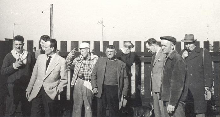 Lodstårnskomiteen 1960. Fra venstre: Ole Palm Petersen, Wulf Hansen, Gerd Jans, August Holm, Einar Rasmussen, Jens Theilgaard, Gunnar Haastrup Vig, Henrik Petersen og Herman Riber, Foto: Svend Jans.