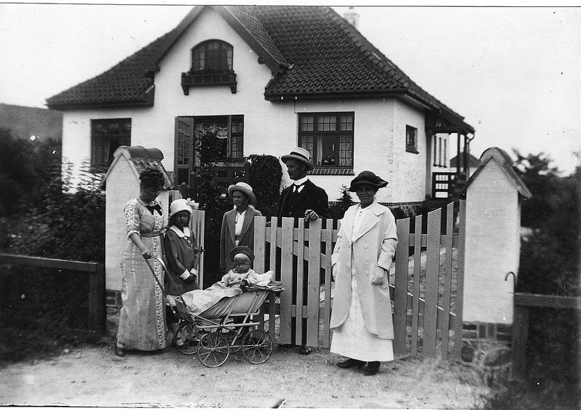 Villa Grænsen hvor bomforpagter Peter Zibrandtsen boede med sin familie. Foto 1914.