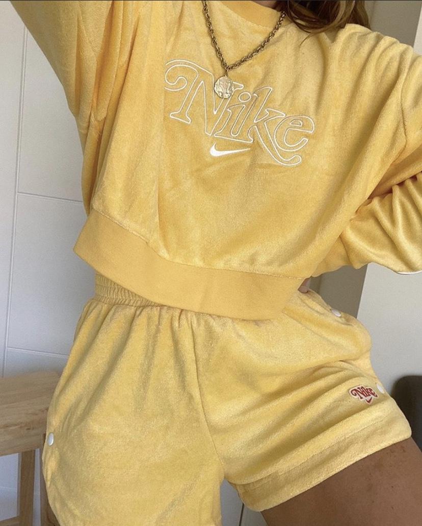 Nike Crop Retro Terry Towelling Crop Sweatshirt