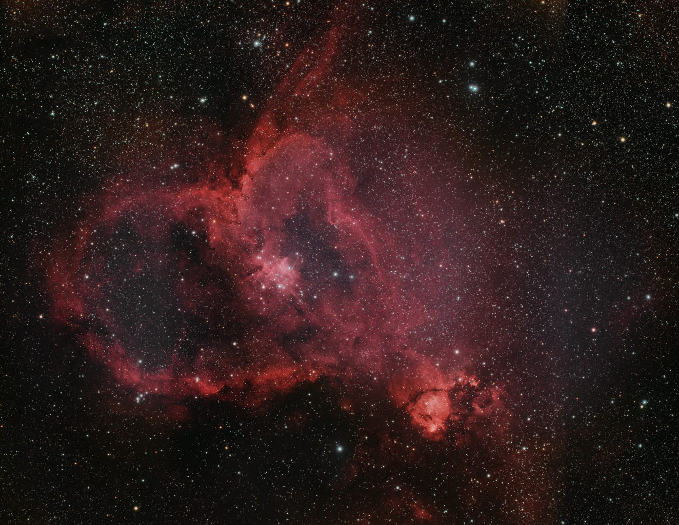 Heart-Nebula-67x300s-Nikon-D750-ISO800-Optolong-Pro-SQM20-Esprit120-F5-Meldert-Small-scaled.jpg