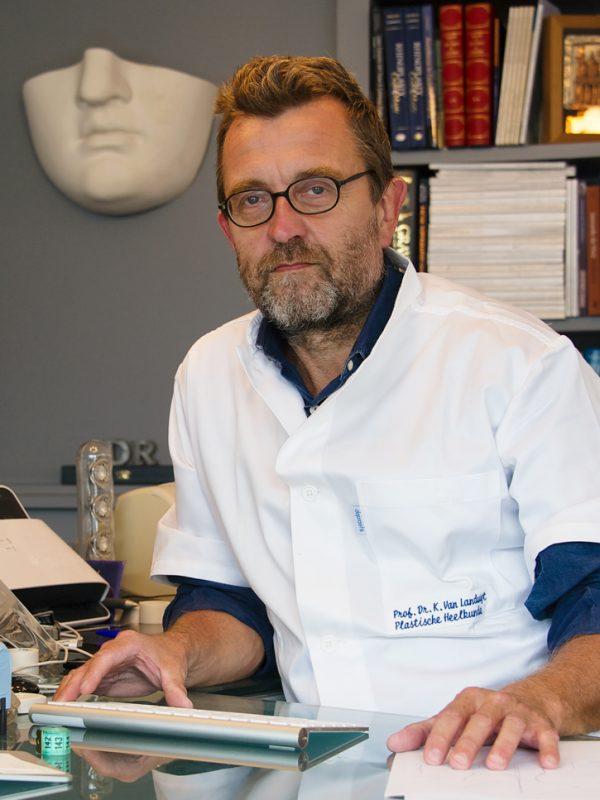 Dr. Van Landuyt