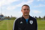 Allan Larsen, 47 år, sportschef og assistenttræner, i FC Nakskov. Han bor med sin kæreste og to teenagebørn og arbejder som civil som regnskabsholder i Effektiv Bygge- og Skadeservice A/S i Nakskov.