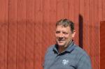 Hans Vang, fhv. formand i Fanø Boldklub, arbejder i sit civile liv for Blue Water Shipping i Esbjerg, er gift og har tre voksne børn.