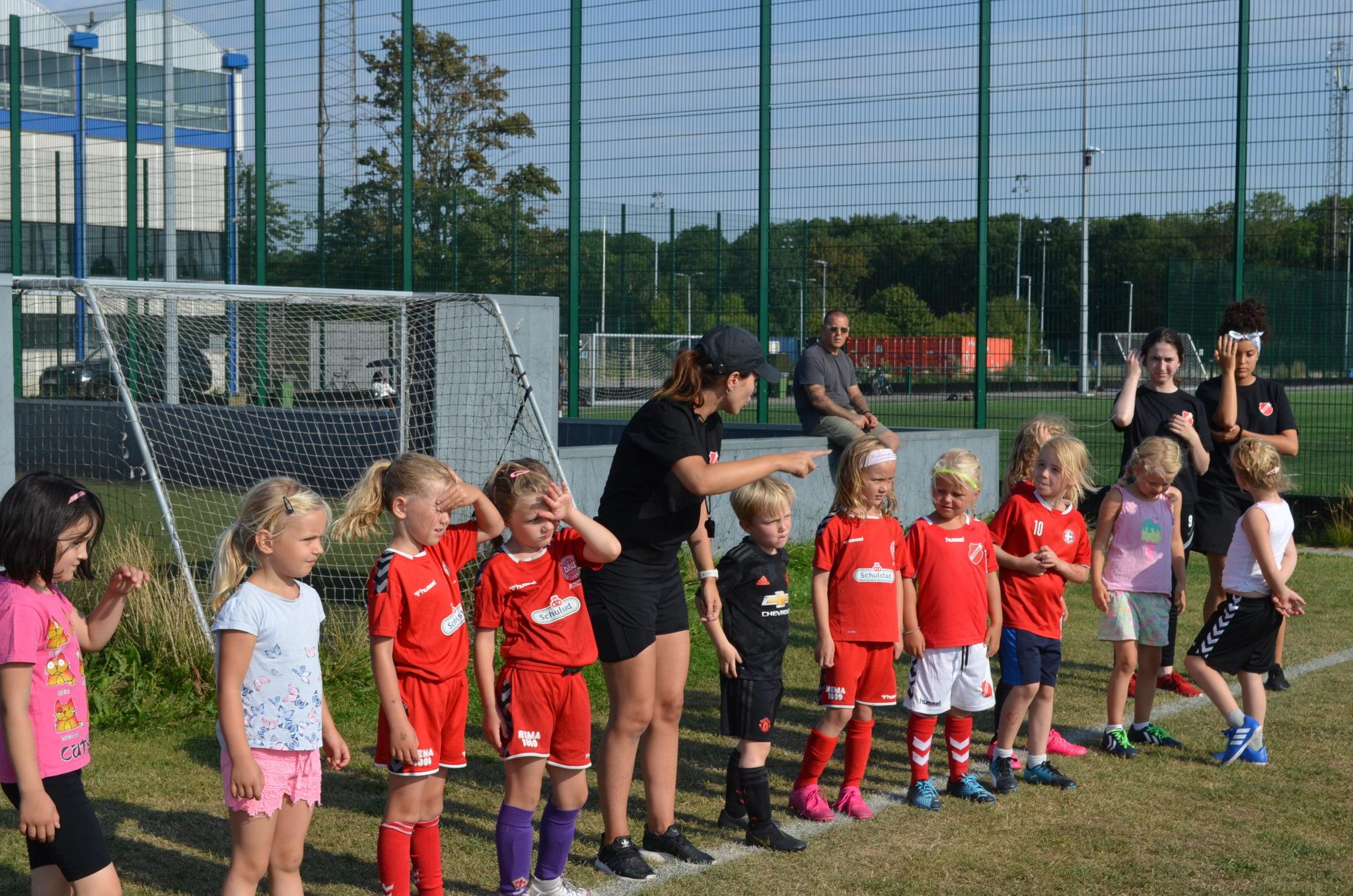 Fremad Valby er en oase for pigefodbold