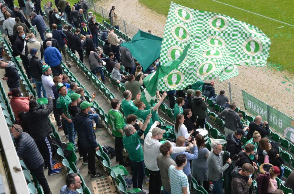 AB Forever havde en fest, da deres klub vandt med 3-1 over rivalerne Brønshøj. (Foto: DTU)