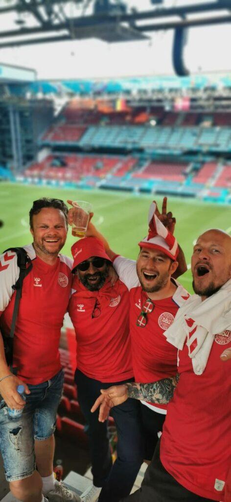 Jakob, Aron, Kristoffer og Peter tog nederlaget til Belgien med højt humør. (Foto: Privat)