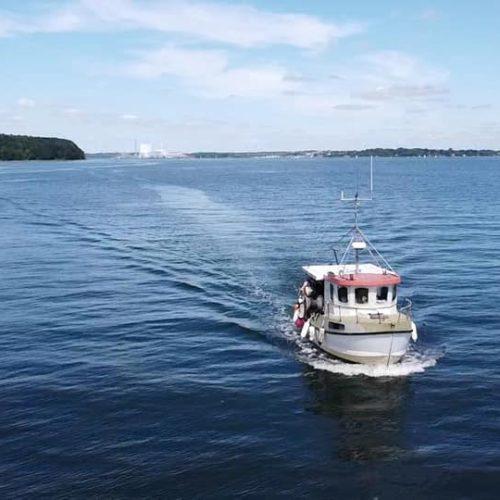 Båden Sussie i lillebælt taget med drone