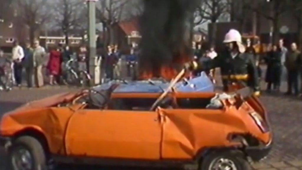 Late TV: Nieuwe bluswagen en nablussen brandweer Echt (1986)