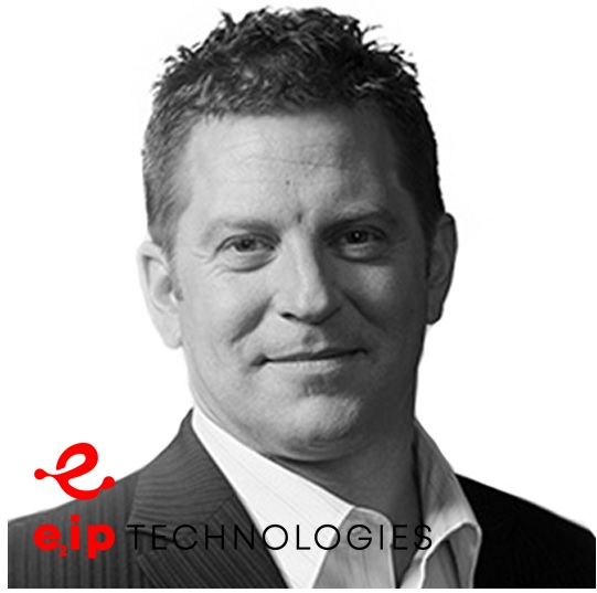 Eric Saint-Jacques avec logo E2IP Technologie