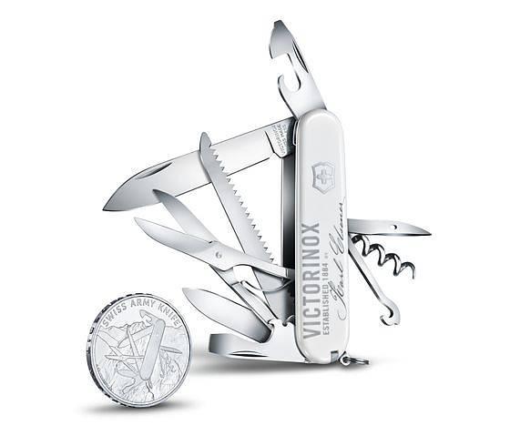 Lyxig utgåva från Victorinox med silvermynt, finns hos Slims.se