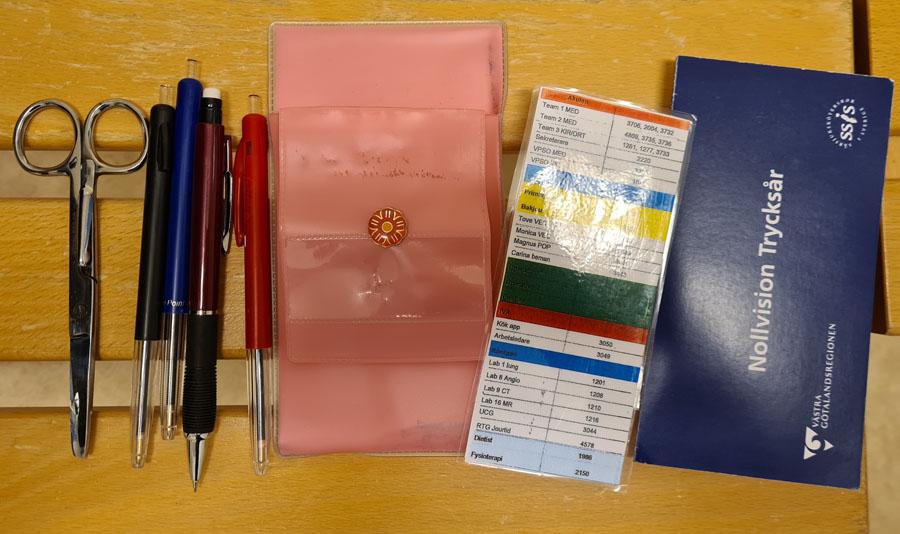 En hel del i fickorna när man jobbar på sjukhus! Bild: Karin Elwering