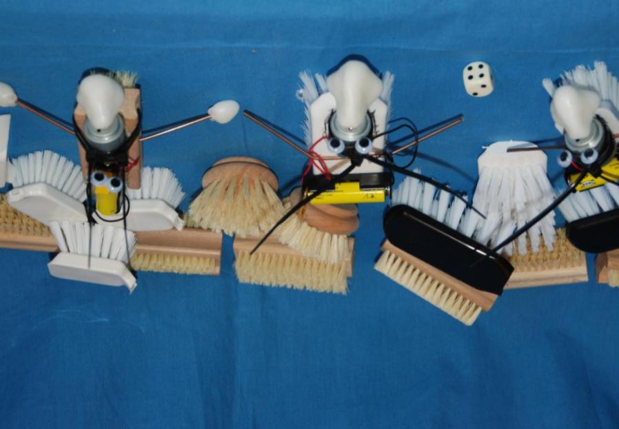 Børsterobotter og andre byggesæt med Formplast ™.