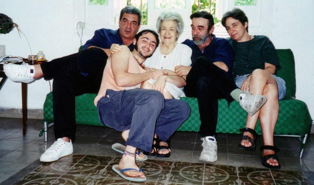 Fefé,Ismaelito (el hijo de Rapi) Lichi , Rapi y su madre Bella