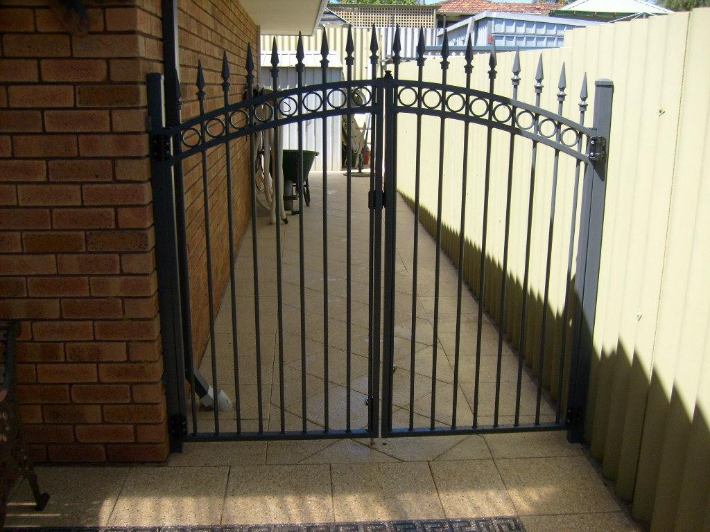 Double pedestrian gates