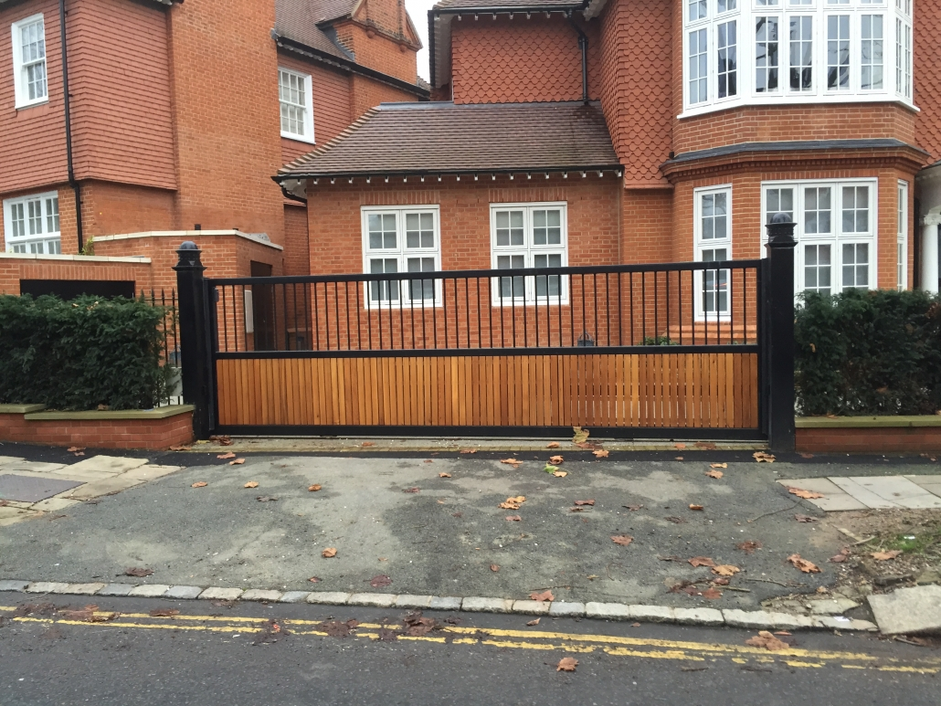 Part boarded sliding driveway gate