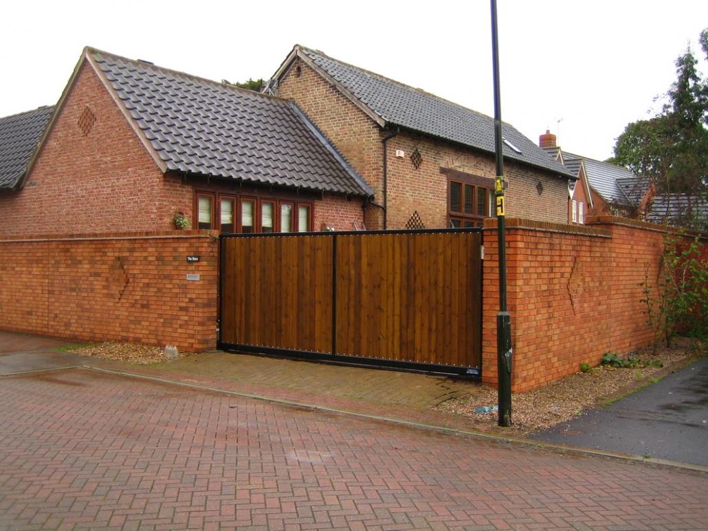 Traditional gate design