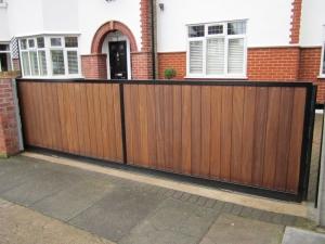 Wooden driveway gate repairs