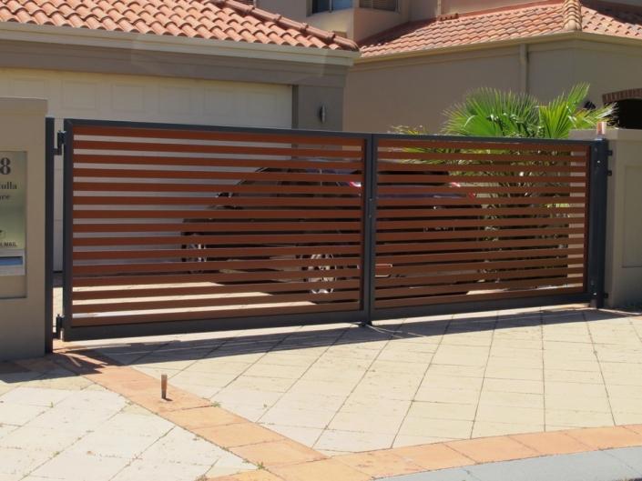 Horizontal wooden gate panels