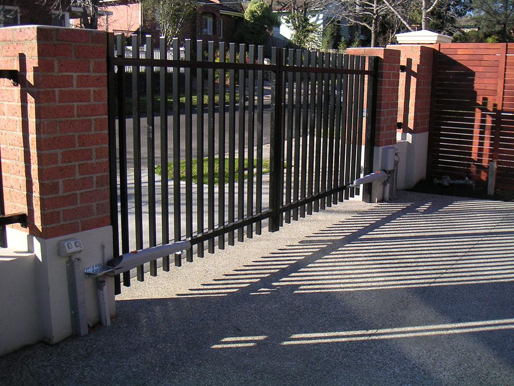 More industrial swing gate design