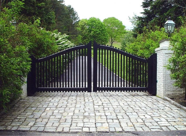 Sturdy swing gates