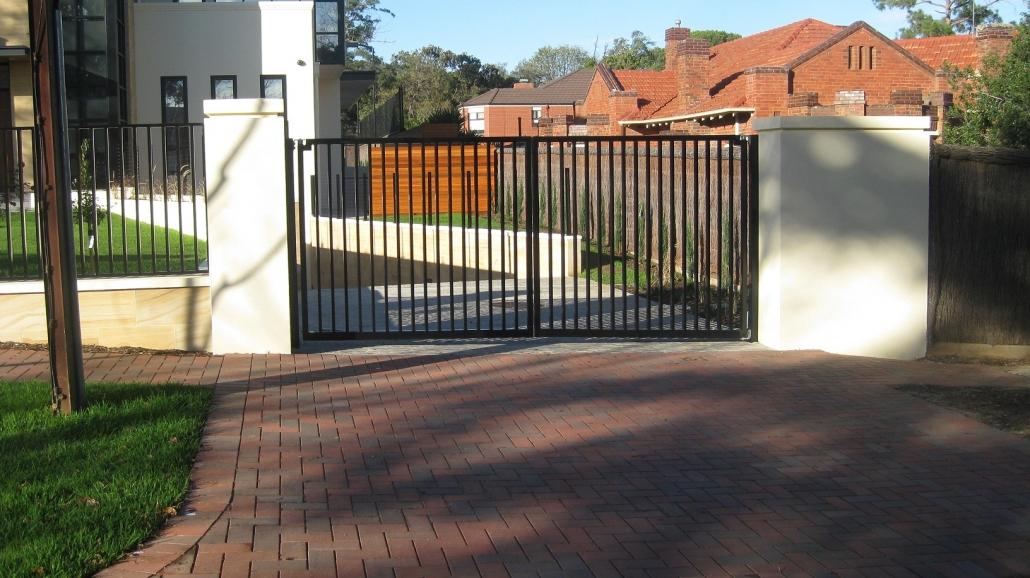 Simple swing gates