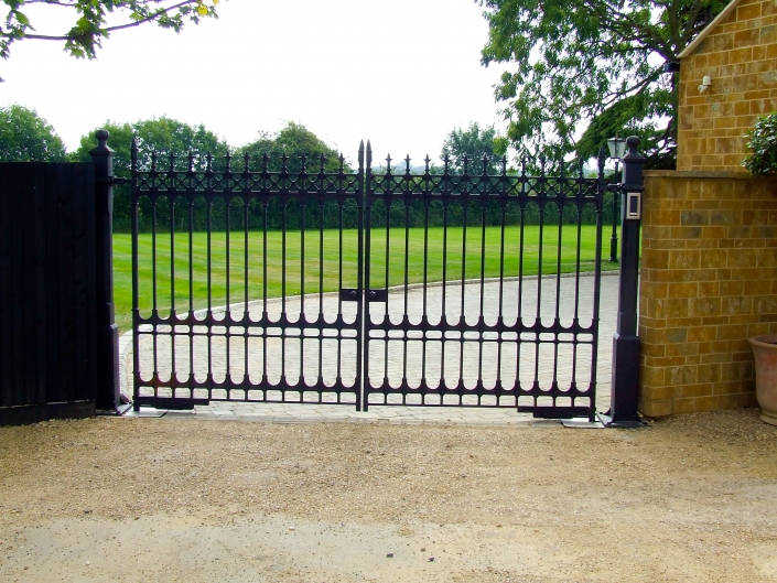 Ornate flat top swing gate design