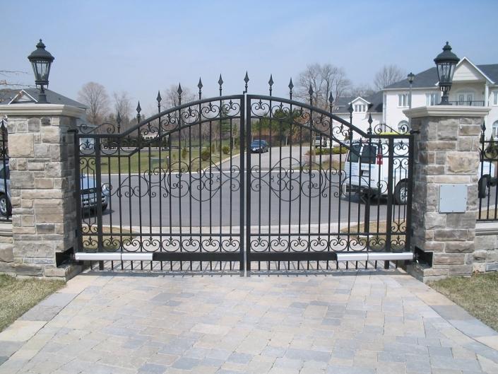 Highly ornate swing gate design