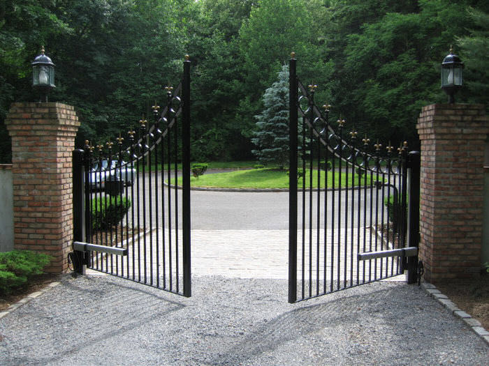 iron gate with inverse curved tops