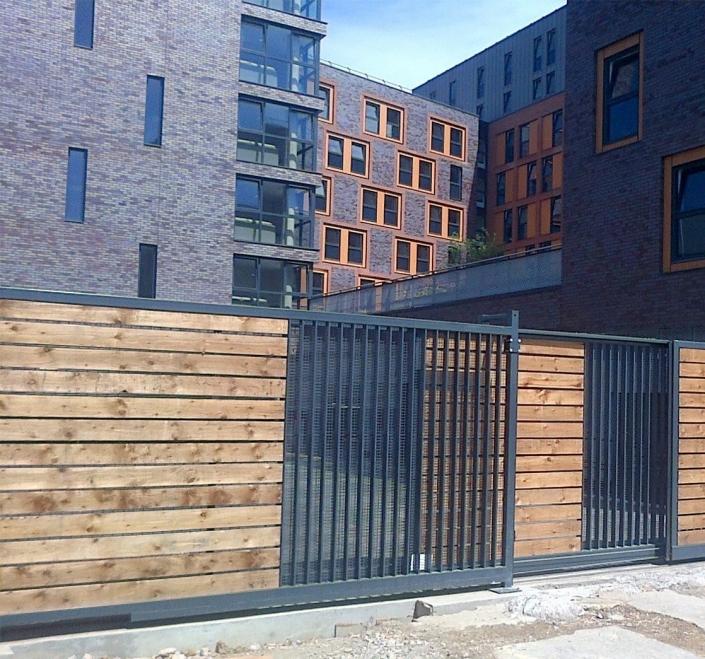 Wood and aluminium sliding gate