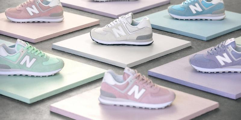 un gruppo di scarpe new balance