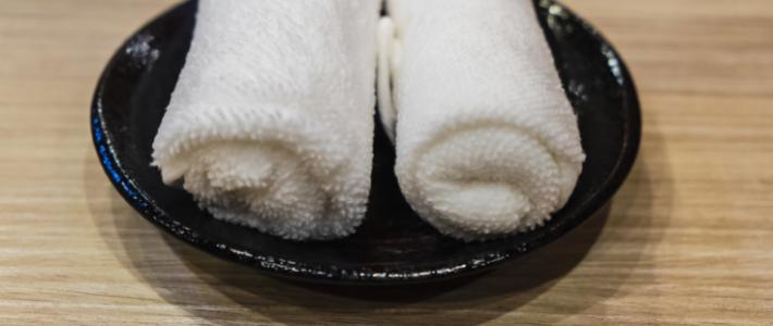 Galateo giapponese a tavola gli oshibori