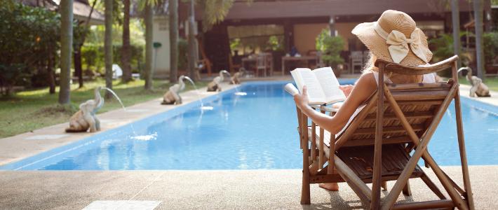 Galateo in hotel piscina