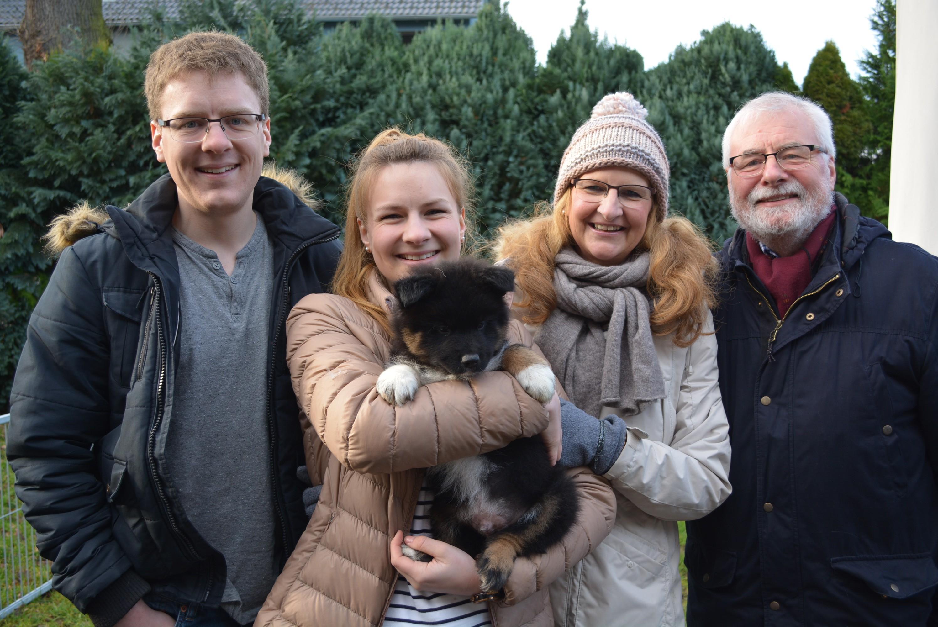 Niko mit neuer Familie