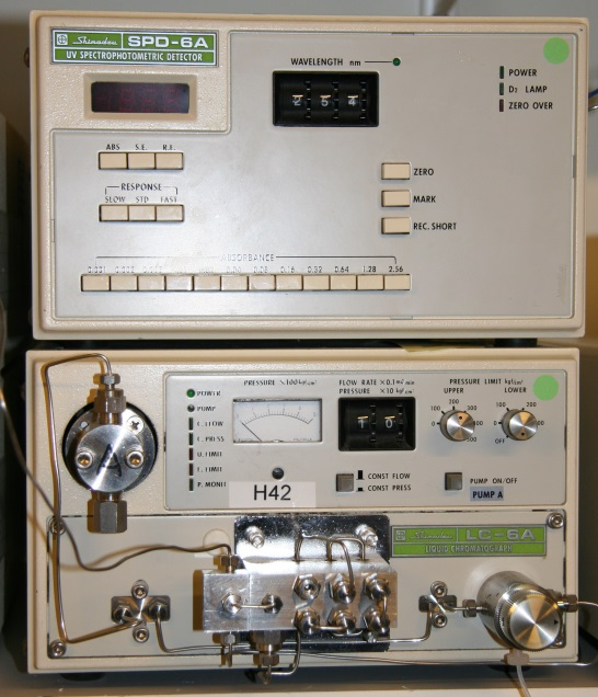 Shimadzu LC-6 isocratic HPLC system with UV detector