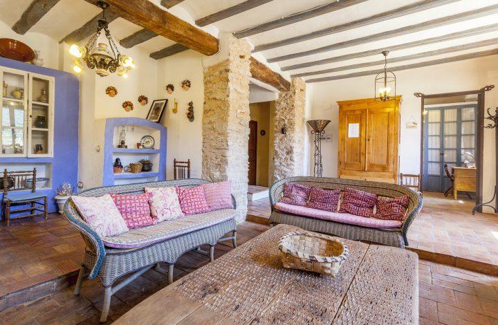 Living Room or Lobby – Big House