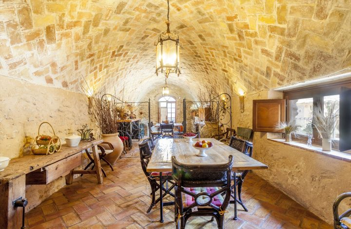 Winery Dining Room – Both Houses
