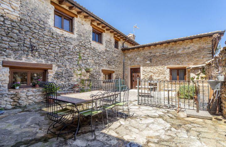 Inner Courtyard – Both Houses