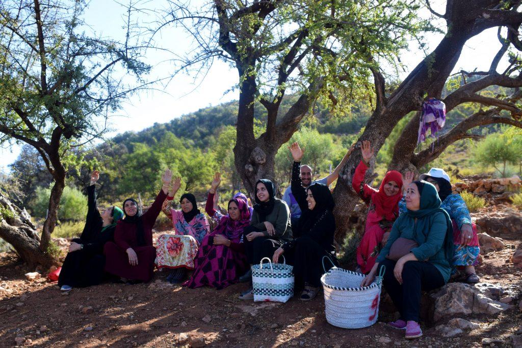 EBM - women giving thanks for harvest
