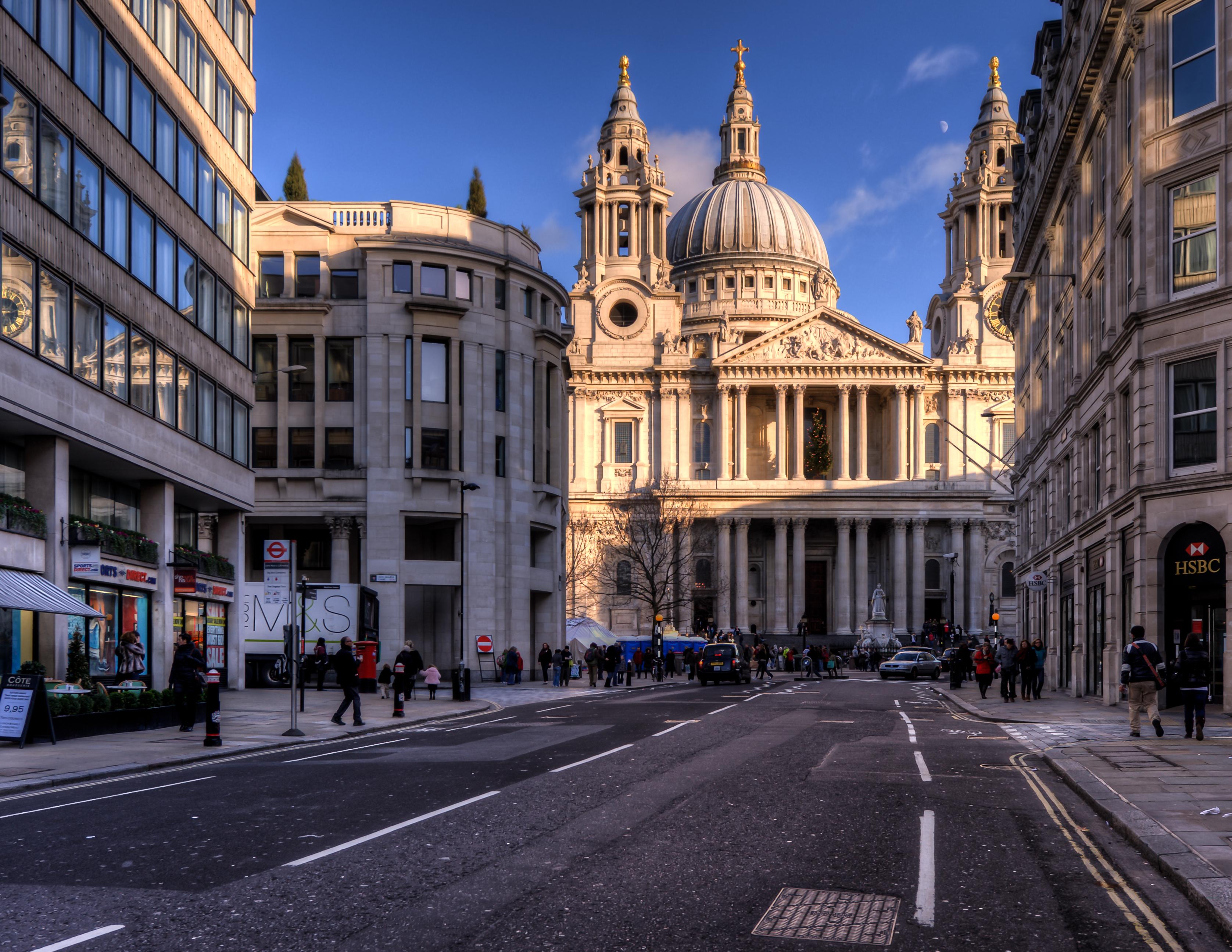 Cities_English_street_041183_