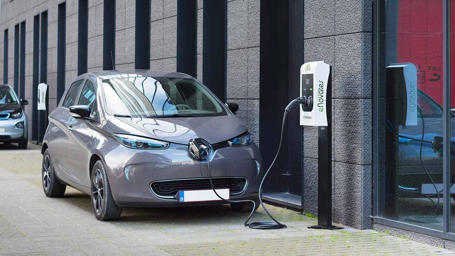 eNovates Car Charging