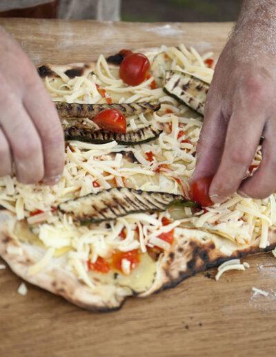 17-pizzaopskrift-pizzabagning-pizza-olesgaard-reportagebillede-madfoto-annaoverholdt kopi
